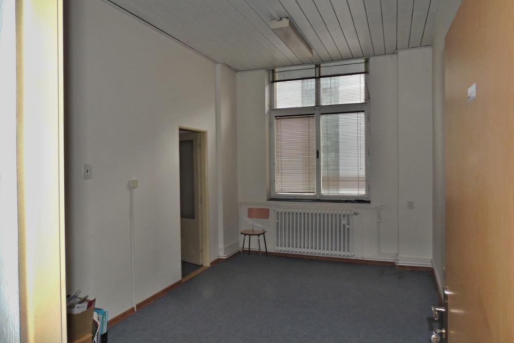 kancelář 3